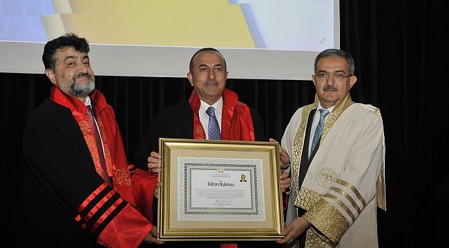Çavuşoğlu'na Fahri Doktora Unvanı