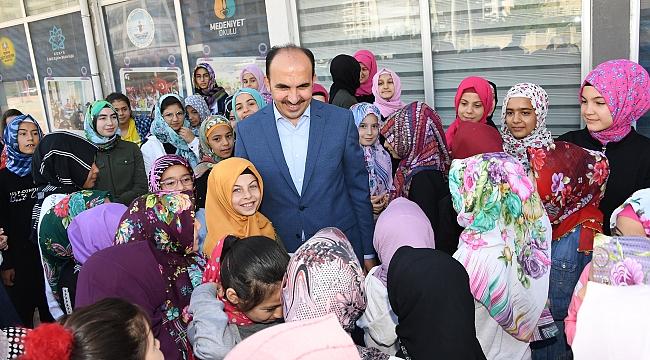 Altay Öğrencilerle Buluştu