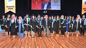 Genç iletişimciler mezun oldu