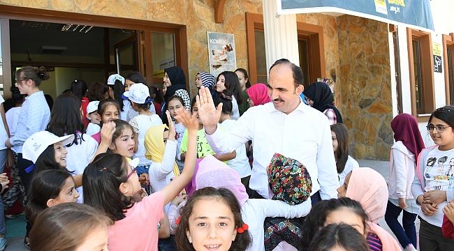 Altay Yaz Okulu Öğrencileriyle Buluştu