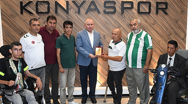 Engelli taraftarlardan Konyaspor'a  teşekkür ziyareti