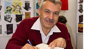 Toptaş, Kur'an'dan Rahmet Esintileri kitabını imzaladı