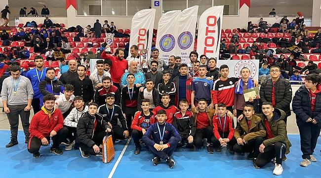 Büyükşehirli sporculardan 32 madalya