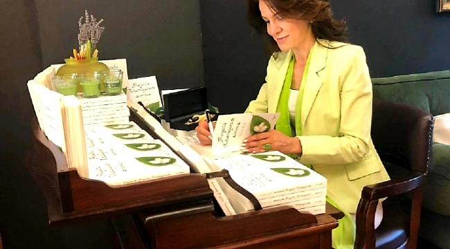 Selin Işıl'dan 'Hayata tutunuyorum' kitabı