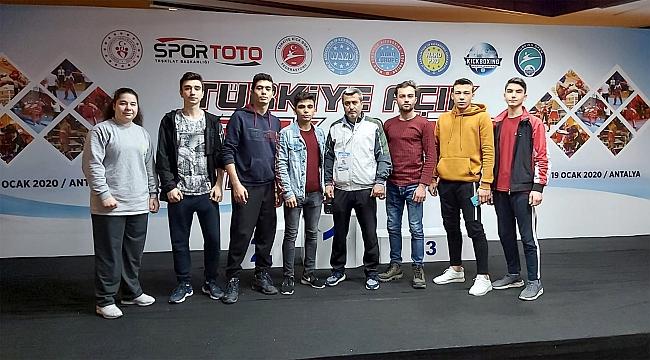 Türkiye açık Kıck Boks turnuvasında Karatay şampiyon