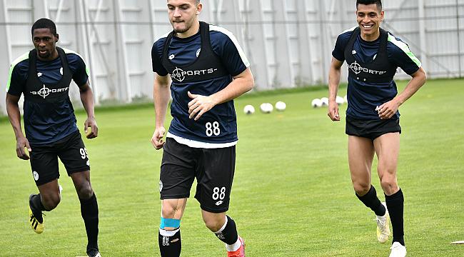 Konyaspor lige hazırlanıyor