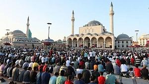 Konya''da bayram namazı  06.24'de
