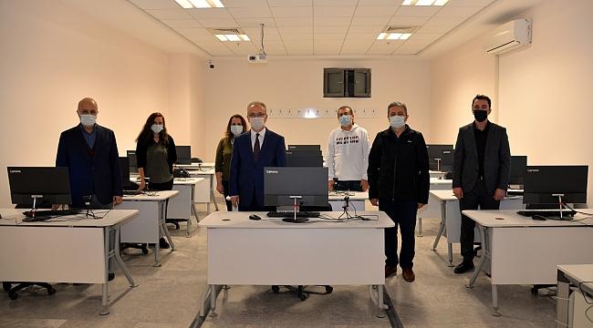 KTÜN'e Modern Bilgisayarlar Laboratuarı