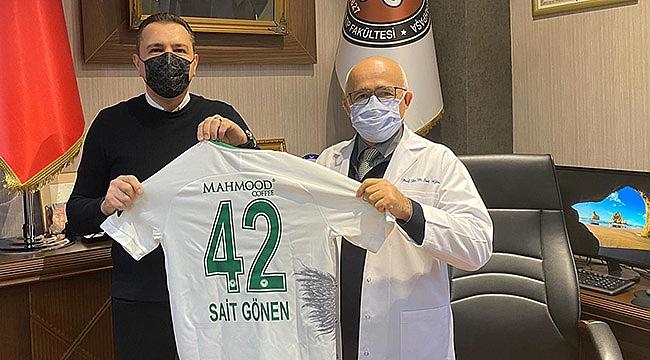 Eski Başkan'a Konyaspor forması
