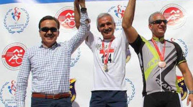 Atamer'den kıskandıran şampiyonluk