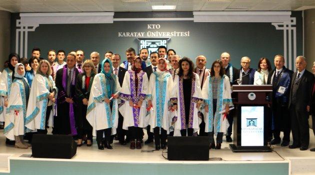 KTO Karatay'da Lisansüstü mezuniyet heyecanı