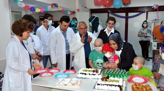 Meram Tıp Fakültesinde Çocuklar Bayramı Erken Yaşadı