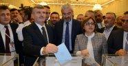 Akyürek Türkiye Belediyeler Birliği Başkanlığına Seçildi
